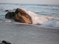 Wave breaking on Rock