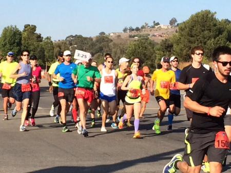 Big Pace Group, probably about mile 10. Photo by Elda Rudd